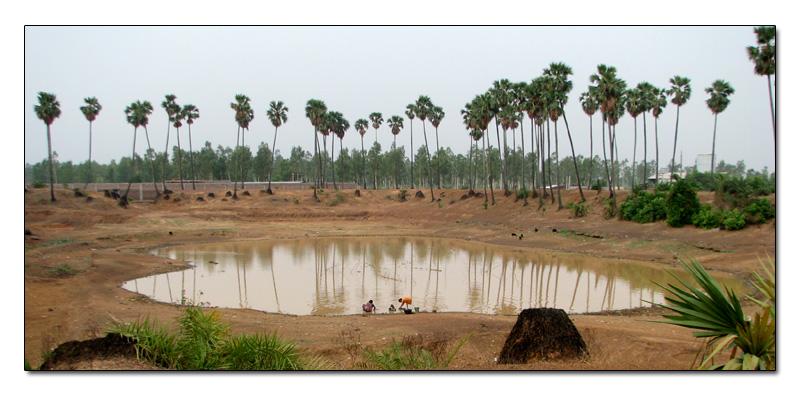 lagos en el pueblo de Bengala